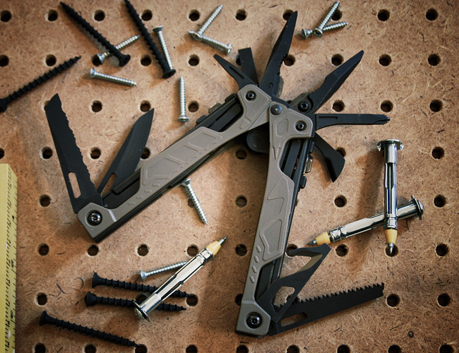Leatherman-OHT-best-multi-tool-gear-patrol
