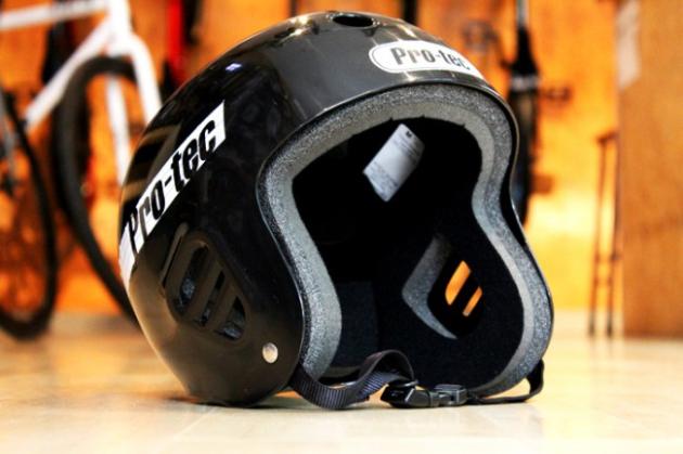 PRO-TEC全尺寸极限运动头盔