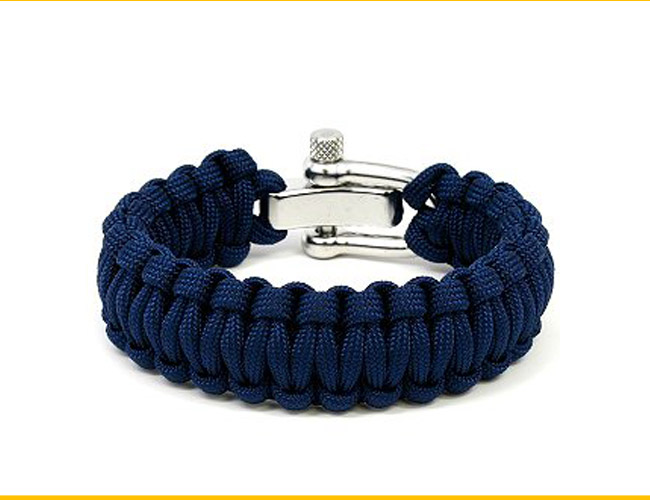 survival-straps-paracord-gear-patrol
