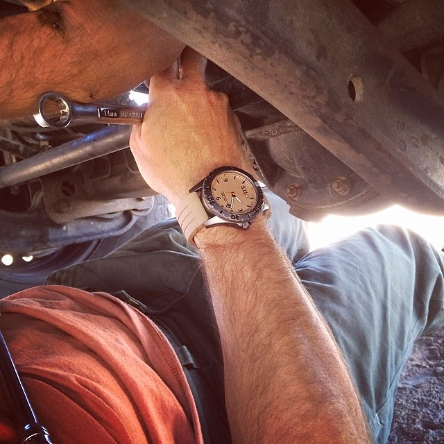 511 tactical sentinel watch in use