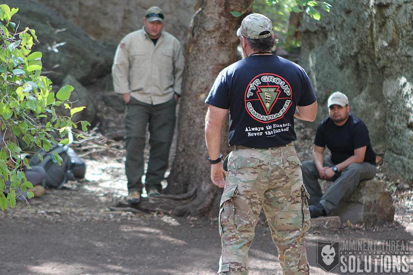 论一个侦搜队员的战术装备修养